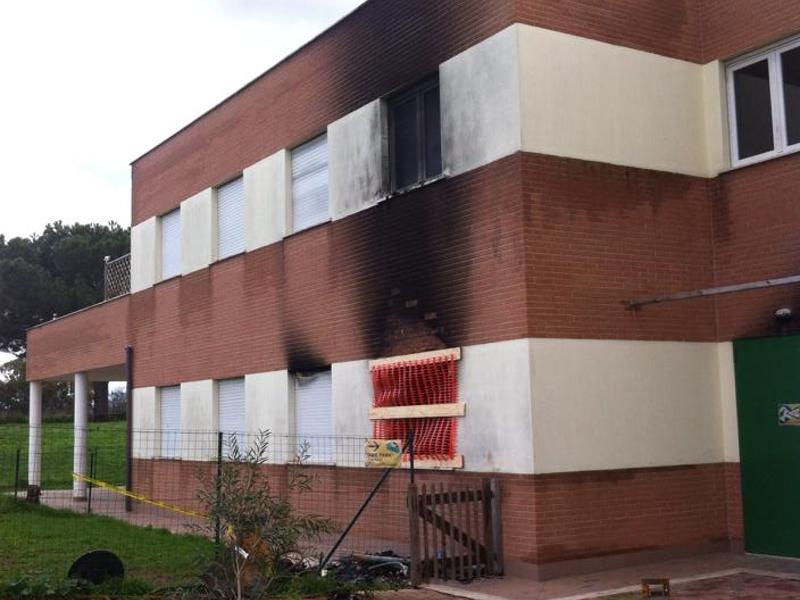 Centro civico di Via Amantea dopo l'incendio