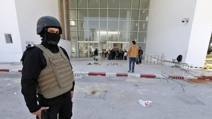 Polizia contro terroristi